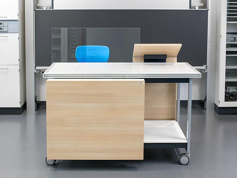 Мобильный стол для экспериментов GENIUS